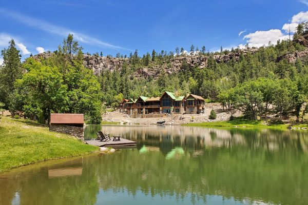 Durango-Timber-Home-Colorado-Canadian-Timberframes-Construction-Summer-Lake-View