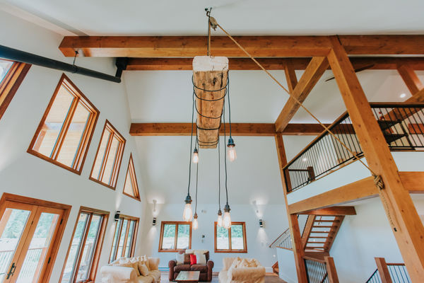 Pemberton-Timber-Frame-Barn-Canadian-Timberframes-Great-Room
