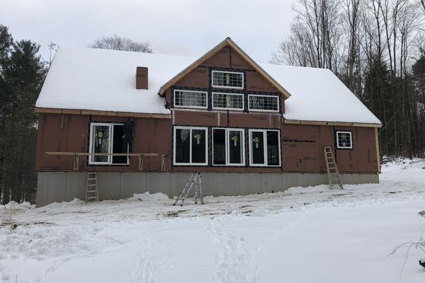 Falls-Village-Barn-Home-Connecticut-Canadian-Timberframes-Construction-Exterior
