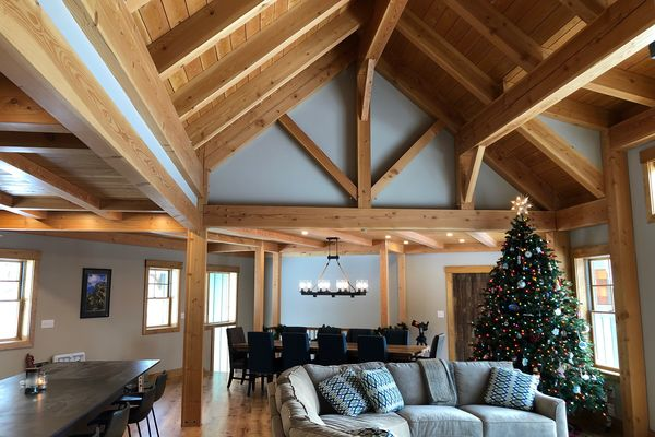 White-Mountain-Timber-Home-Canadian-Timberframes-New-Hampshire-Completed-Great-Room