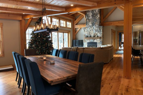White-Mountain-Timber-Home-Canadian-Timberframes-New-Hampshire-Completed-Great-Room-Dining