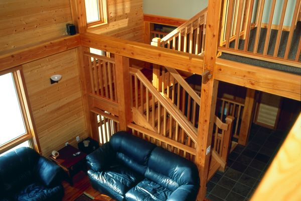 Wild-Horse-Chalet-BC-Canadian-Timberframes-Great-Room-Loft