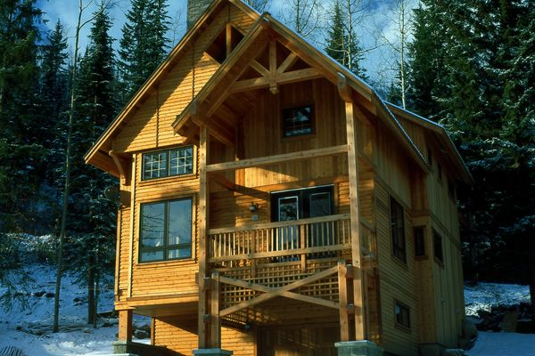 Wild-Horse-Chalet-BC-Canadian-Timberframes-Exterior