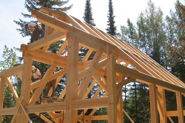 Moonraker-British-Columbia-Canadian-Timberframes-Construction-Raising