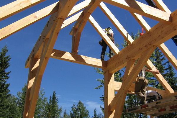 Moonraker-British-Columbia-Canadian-Timberframes-Construction-Raising-Timber-Frame