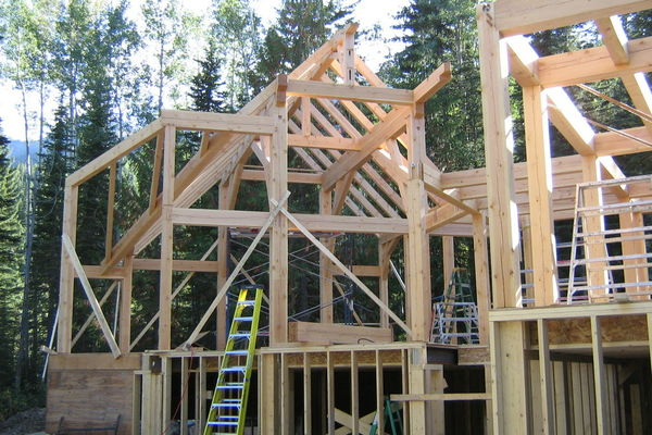 Moonraker-British-Columbia-Canadian-Timberframes-Construction-timber-Raising