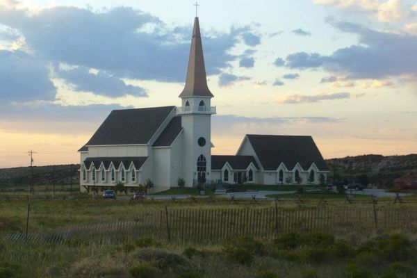 Laramie-Valley-Chapel-Wyoming-Canadian-Timberframes-Exterior