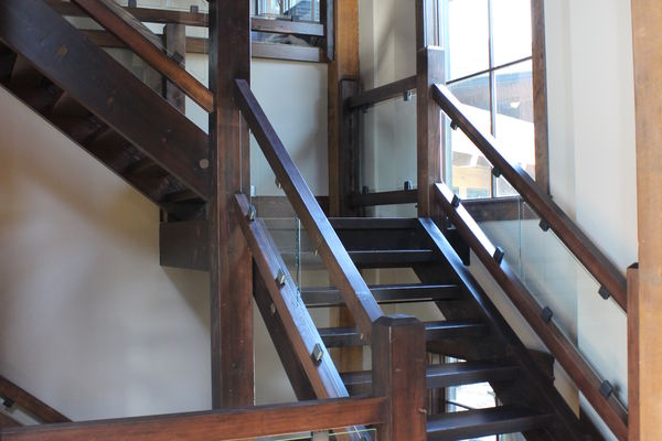 Northern-Meadows-Whitecourt-Alberta-Canadian-Timberframes-Stairs