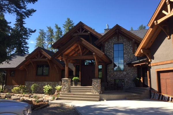 Northern-Meadows-Whitecourt-Alberta-Canadian-Timberframes-Front-Entry