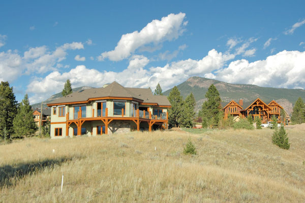 Purcell-Peaks-Invermere-BC-Canadian-Timberframes-Exterior