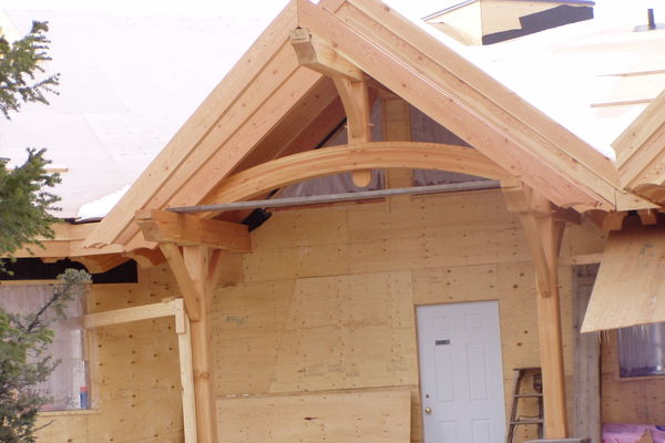 Purcell-Peaks-Invermere-BC-Canadian-Timberframes-Construction-Entry