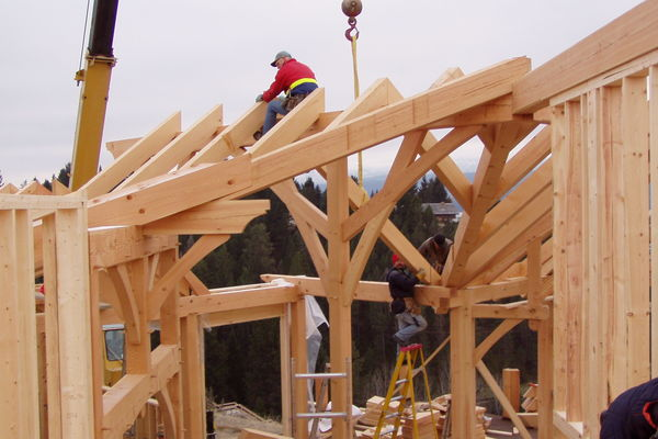 Purcell-Peaks-Invermere-BC-Canadian-Timberframes-Construction-Raising