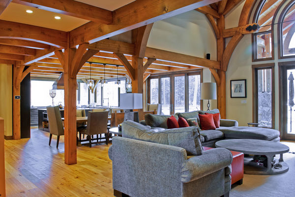 Elk-River-Fernie-British-Columbia-Canadian-Timberframes-Staircase
