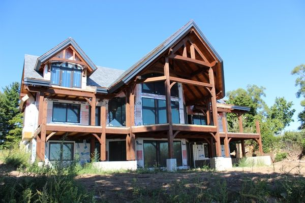 Great-Lakes-Legacy-Michigan-Canadian-Timberframes-Construction-Rear-Exterior