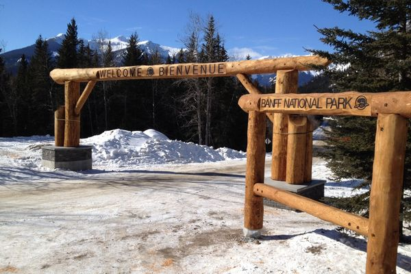 Banff-National-Park-Gate-Alberta-Canadian-Timberframes
